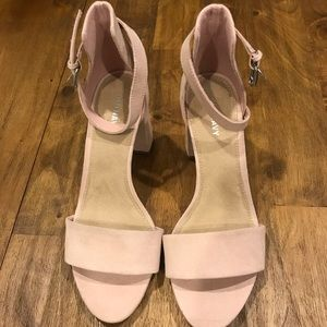 NWOT Blush Faux Suede Old Navy Chucky Heels